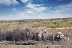 Explosive Arbeiten lizenzfreie stockfotos