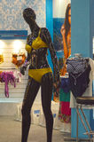 Expo de Lingrie do desfile de moda de Moscou o tráfego do manequim Foto de Stock Royalty Free