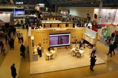 Expocentre, Moskou, Rusland - November 21, 2017 MEBEL 2017 - 29ste Internationaal Tentoonstellings` Meubilair, Montage en Stoffer Stock Afbeelding