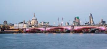 exponerad london horisont Arkivfoto