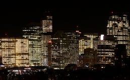 Exponerad stad på natten Arkivbild