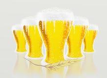 Exponeringsglas av öl och korn vektor illustrationer