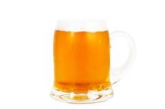 Exponeringsglas av öl på vit Royaltyfri Fotografi