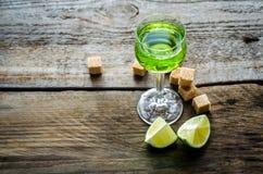 Exponeringsglas av absint Royaltyfri Bild