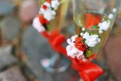 Exponeringsglas av champagne på tabellen Royaltyfri Bild
