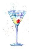 Exponeringsglas av en Martini med körsbäret Bild av en alkoholdryck Royaltyfria Bilder