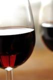 Exponeringsglas av fin italiensk rött vin Royaltyfri Bild
