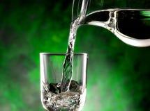 Exponeringsglas av kallt vatten Royaltyfria Foton