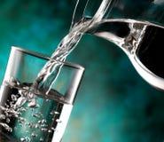 Exponeringsglas av kallt vatten Royaltyfri Fotografi