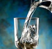 Exponeringsglas av kallt vatten Royaltyfri Foto
