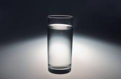 exponeringsglas av kallt vatten för rengöringfrikänd Royaltyfria Bilder