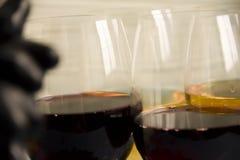 Exponeringsglas av kortet för tappning för har för väst för aptitretare för begrepp för vinmerlotdruvor meny för beröm det naturl arkivfoto