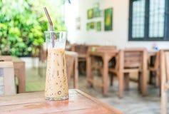 exponeringsglas av med is espressokaffe Arkivfoton