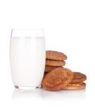 Exponeringsglas av mjölkar och kakor fotografering för bildbyråer