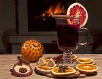 Exponeringsglas av mulled wine Arkivbild