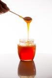 Exponeringsglas av ny honung Arkivfoton