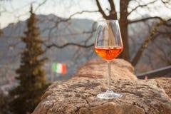 Exponeringsglas av spritz, den italienska coctailen Royaltyfria Foton