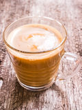 Exponeringsglas av varmt kaffe Royaltyfria Bilder