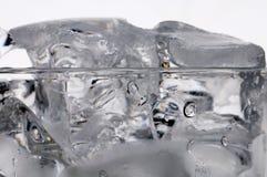 Exponeringsglas av vatten. Arkivfoton