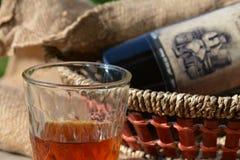 Exponeringsglas av vin, stilleben Arkivbilder