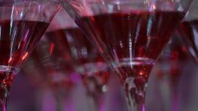 Exponeringsglas för alkohol festlig drink Bartendershow stock video