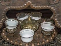 exponeringsglas för espresso för cezvekaffe kallt som tjänat som litet turkiskt vatten Royaltyfri Fotografi