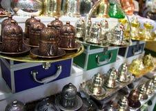 exponeringsglas för espresso för cezvekaffe kallt som tjänat som litet turkiskt vatten arkivfoton