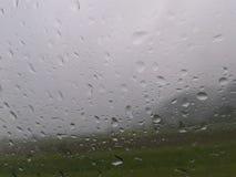 Exponeringsglas för sikt för fönster för regndroppbil Arkivbilder