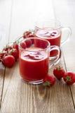 Exponeringsglas för tomatfruktsaft Arkivbilder