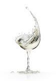 Exponeringsglas för vitt vin på en vit bakgrund Arkivfoton