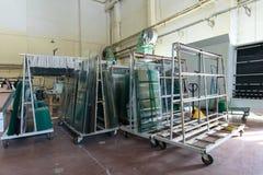 Exponeringsglas i industriellt glass bearbeta seminarium Fotografering för Bildbyråer