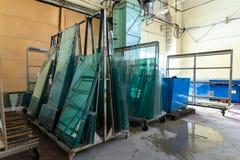Exponeringsglas i industriellt glass bearbeta seminarium Royaltyfri Fotografi