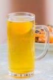 Exponeringsglas med öl Royaltyfria Foton