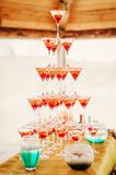 Exponeringsglas med champagne Royaltyfria Bilder