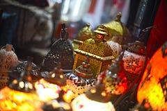 Exponeringsglas- och metalllyktor royaltyfria bilder