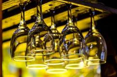 exponeringsglas som hänger wine Royaltyfri Fotografi
