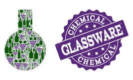 Exponeringsglasflaskacollage av vinflaskor och druvan och Grungestämpeln royaltyfria foton