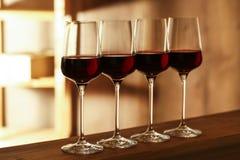 exponeringsglasr?tt vin Dyr drink arkivfoto