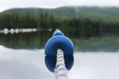 Exponeringsglasvatten sjö Bouy royaltyfri foto