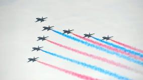 Exposição Aerobatic do voo por Eagles preto da república da força de Korean Air (ROKAF) em Singapura Airshow Foto de Stock Royalty Free