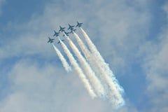 Exposição Aerobatic do voo por Eagles preto da república da força de Korean Air (ROKAF) em Singapura Airshow Fotografia de Stock