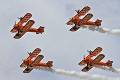 Exposição Aerobatic pelo Breitling Wingwalkers Imagens de Stock Royalty Free