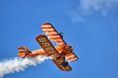 Exposição Aerobatic pelo Breitling Wingwalkers Imagens de Stock