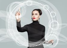 Exposição clara virtual tocante nova da mulher de negócio foto de stock royalty free