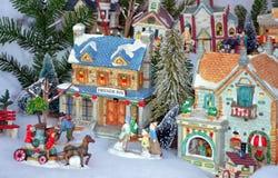 Exposição colorida da vila do Natal fotos de stock