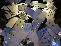 Exposição da arte do cartão de jogo em Aria Resort e no casino Fotografia de Stock