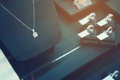 Exposição da loja do diamante da joia Imagens de Stock