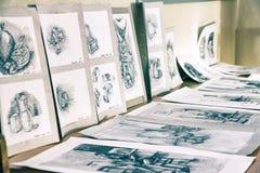 Exposição das pinturas dos estudantes Fotos de Stock Royalty Free