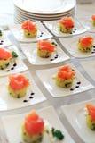 Exposição de aperitivos do salmão fumado Foto de Stock