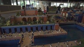 A exposição de jardins de suspensão dos modelos de Babylon fez de partes de Lego em Miniland Legoland em parques e em recursos de filme